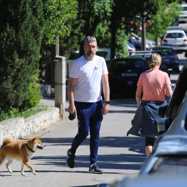 Naša nogometna legenda Stipe Pletikosa sa psom