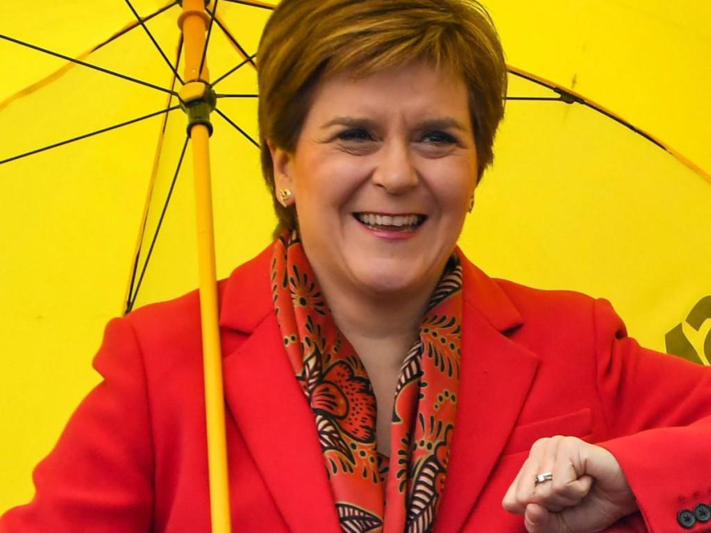 Nicola Sturgeon: Bilo koji političar iz Westminstera koji sada stoji na putu škotskom referendumu o neovisnosti ne kreće u borbu sa SNP-om, većs demokratskim željama škotskog naroda