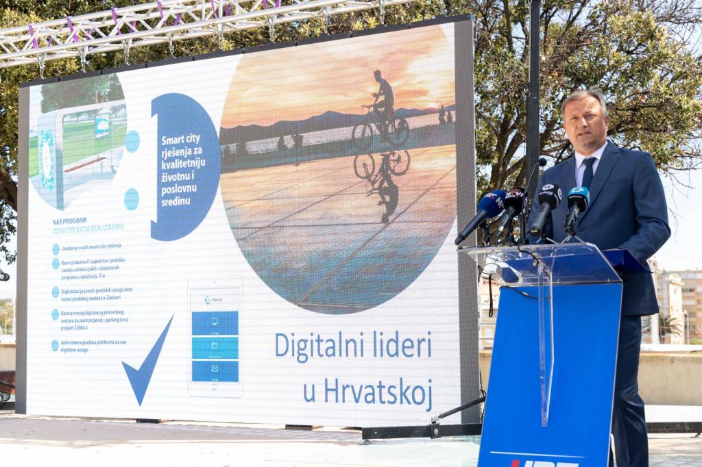 Branko Dukić na predstavljanju programa