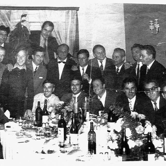 Skočini glazbari, 'Stari prijatelji', davne 1966. godine