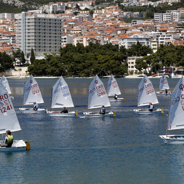 Optimisti na moru pred Makarskom