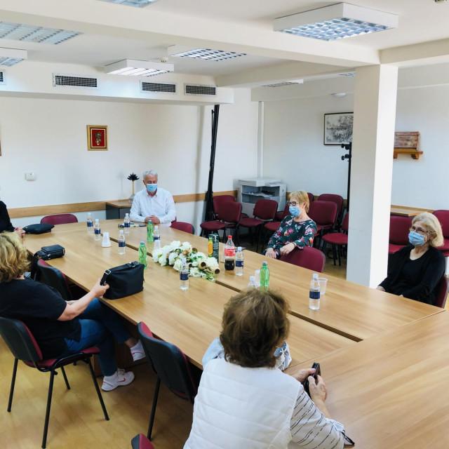 Sastanak načelnika s umirovljenicima