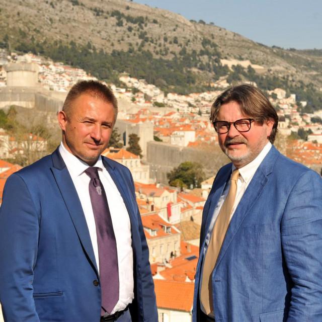 Mostov kandidat za gradonačelnika Dubrovnika Maro Kristić (lijevo) i kandidat za zamjenika gradonačelnika Tonći Skvrce (desno)