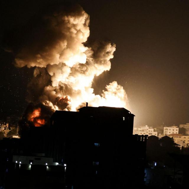 (Photo by MAHMUD HAMS/AFP)