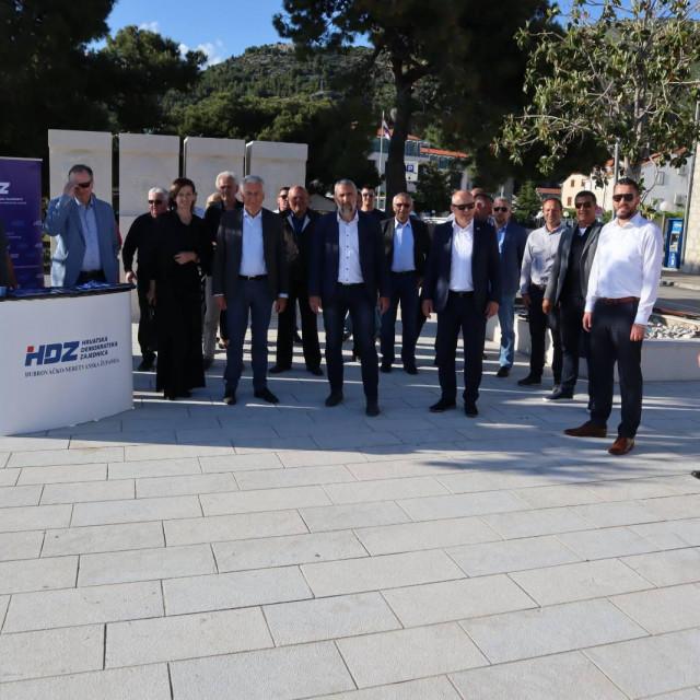 Kandidati HDZ-a i partnera za župana i zamjenika posjetili Slano i Ston