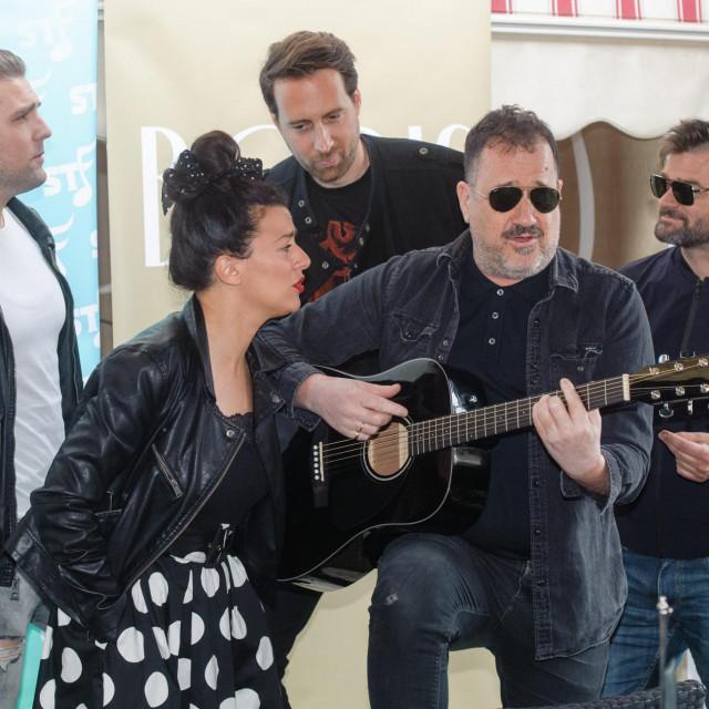 Neno Belan i Zorana Kačić Čatipović izveli su pobjedničku pjesmu s lanjskog festivala