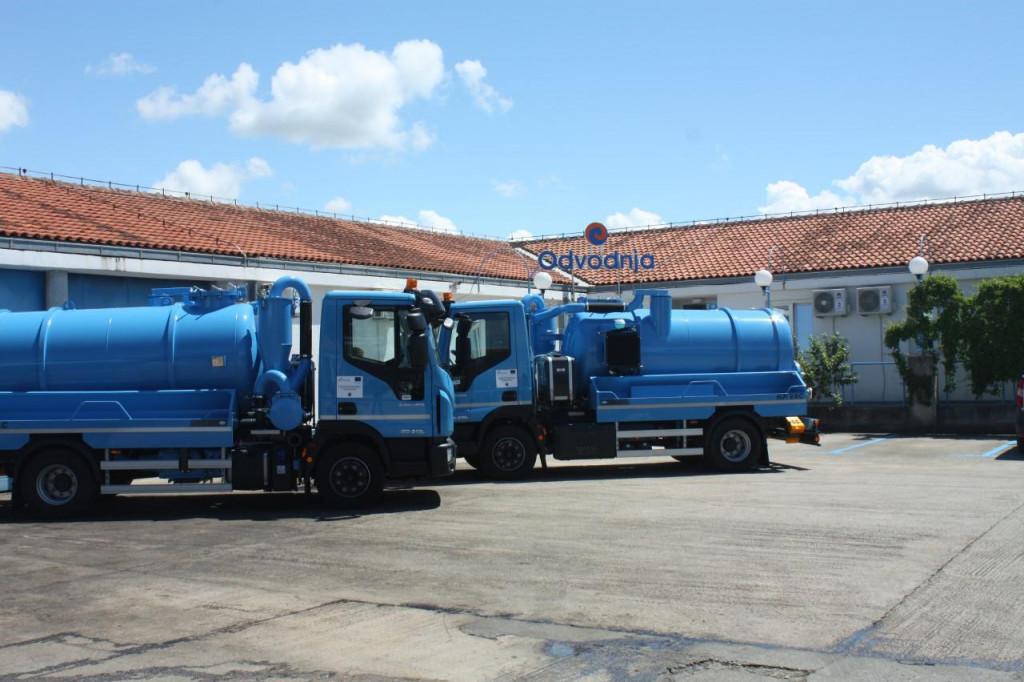Dva nova vozila za pražnjenje septičkih jama