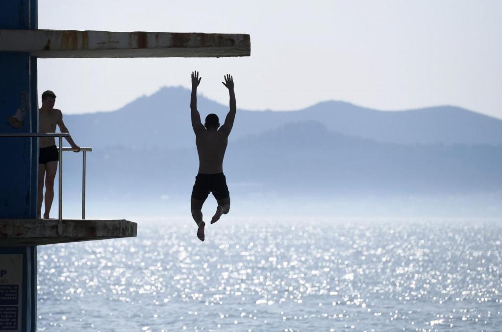 Na skakaonici na bazenu na zadarskim Kolovarima već je aktivno