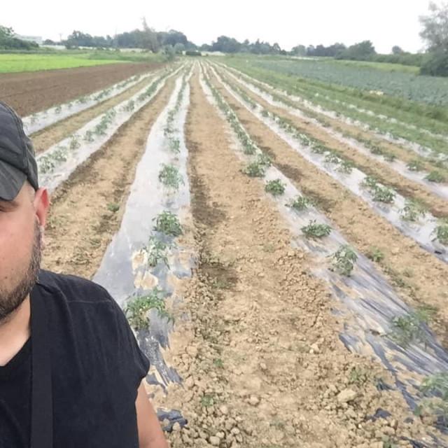 Odluku da se počnem baviti poljoprivredom donio sam preko noći, ludost i ljubav bili su presudni.
