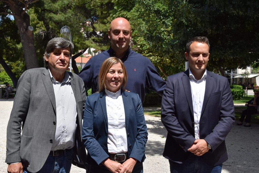Nezavisni kandidat za župana Roko Tolić i kandidatkinja za zamjenicu Maja Erak