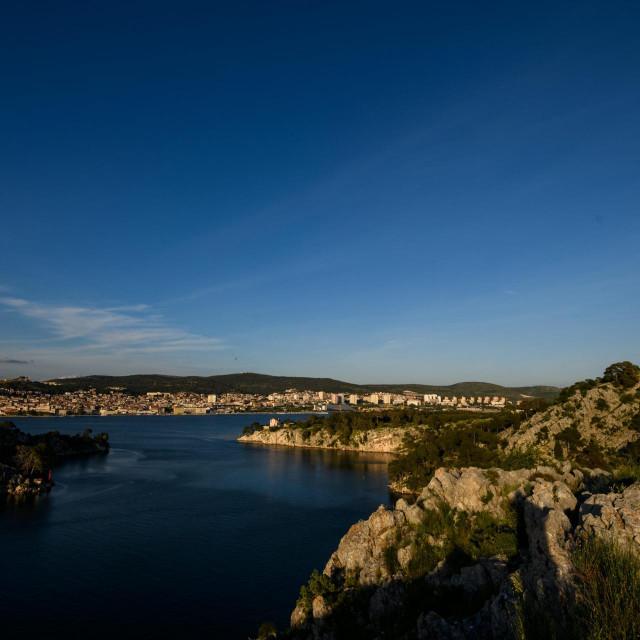 Sibenik, 060521.<br /> Proljetno popodne na setnici u kanalu sv. Ante, setnica duzine 4,5 km sa vidikovcima sa kojih se vidi grad i arhipelag.<br />