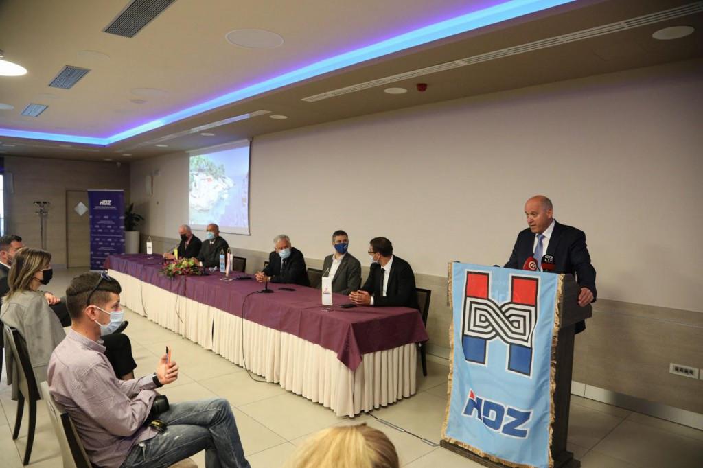 Postizborna press konferencija gradskog i županijskog HDZ-a