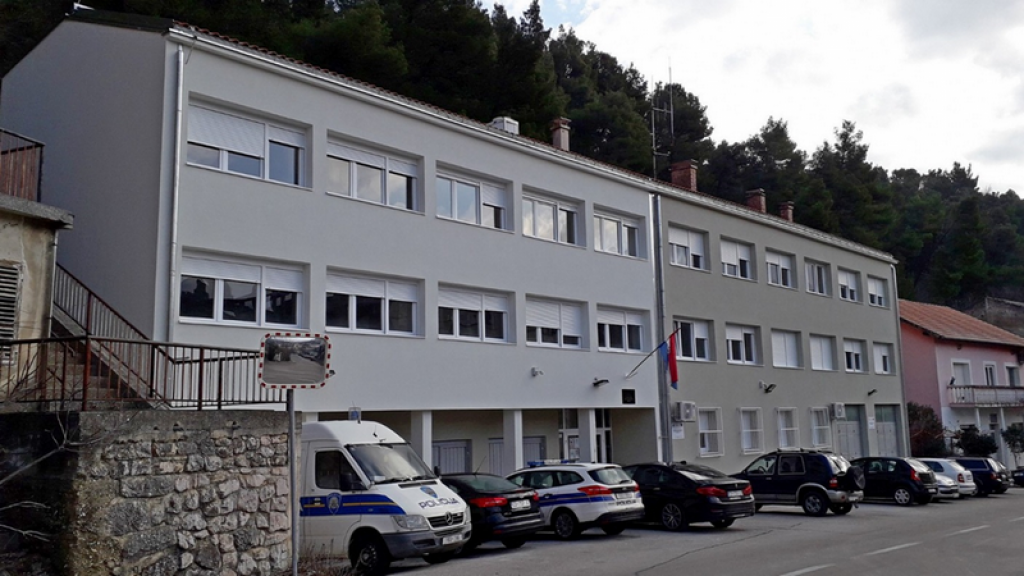 Obnovljena zgrada PP Obrovac