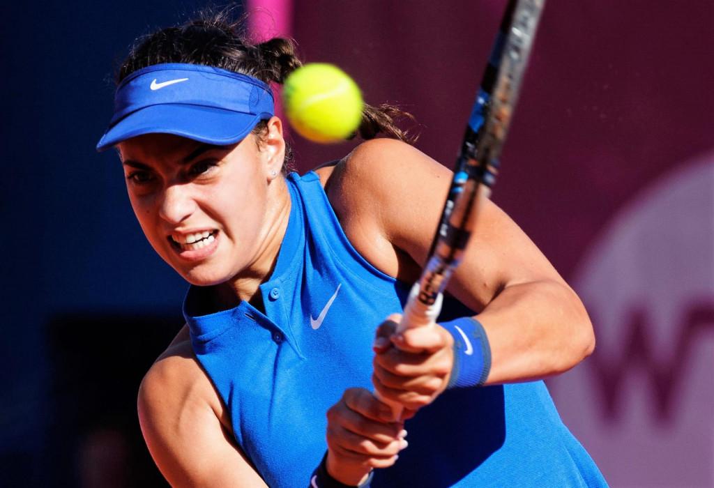 Bol, otok Brac, 040616. Tenis mec polufinala finala WTA 125K series Bol open, Ana Konjuh (HRV) - Mandy Minella (LUX). U drugom setu Ana Konjuh je predala mec zbog ozljede ledja. Na fotografiji: Ana Konjuh.