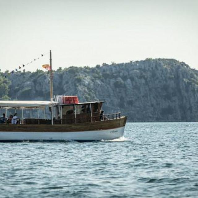 I ovo ljeto će tri mjeseca voziti brodovi za Jadriju i Martinsku