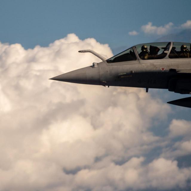 Pokazalo se da je Rafale u ovom trenutku jedini avion koji u dubinu neprijateljskog teritorija može ući bez pratnje aviona za elektroničku zaštitu
