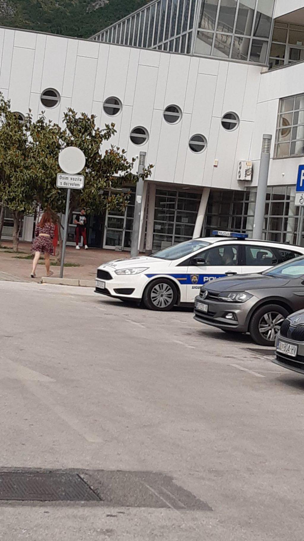 Na poziv Izbornog povjerenstva nazočili su i pripadnicu PU dubrovačko-neretvanske