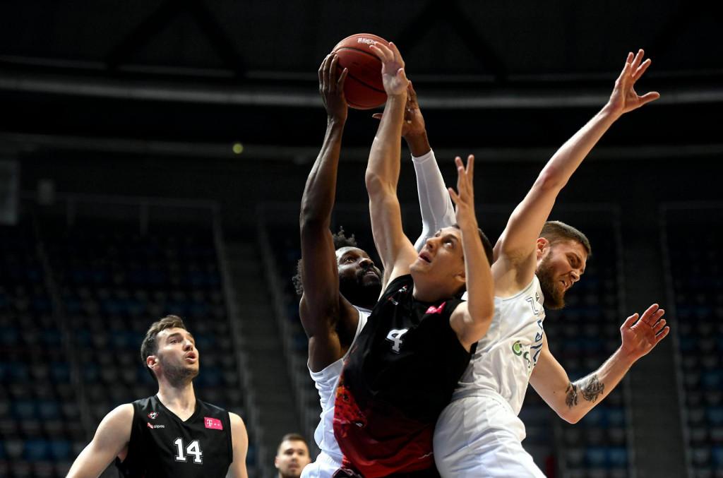 Treća utakmica polufinala doigravanja prvenstva Hrvatske, KK Zadar - KK Gorica; na fotografiji Chinanu Onuaku<br />