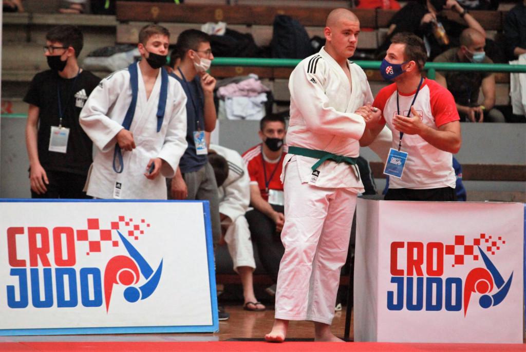 Ivan Hezonja i Stjepo Roko - dogovor uoči borbe za broncu, koju je Hezonja dobio, te osvojio svoju prvu medalju na državnim prvenstvima