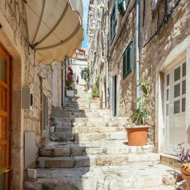 Mali apartmani koji su prije bili aktualni ili oni u povijesoj a jezgri nemaju rezervacija