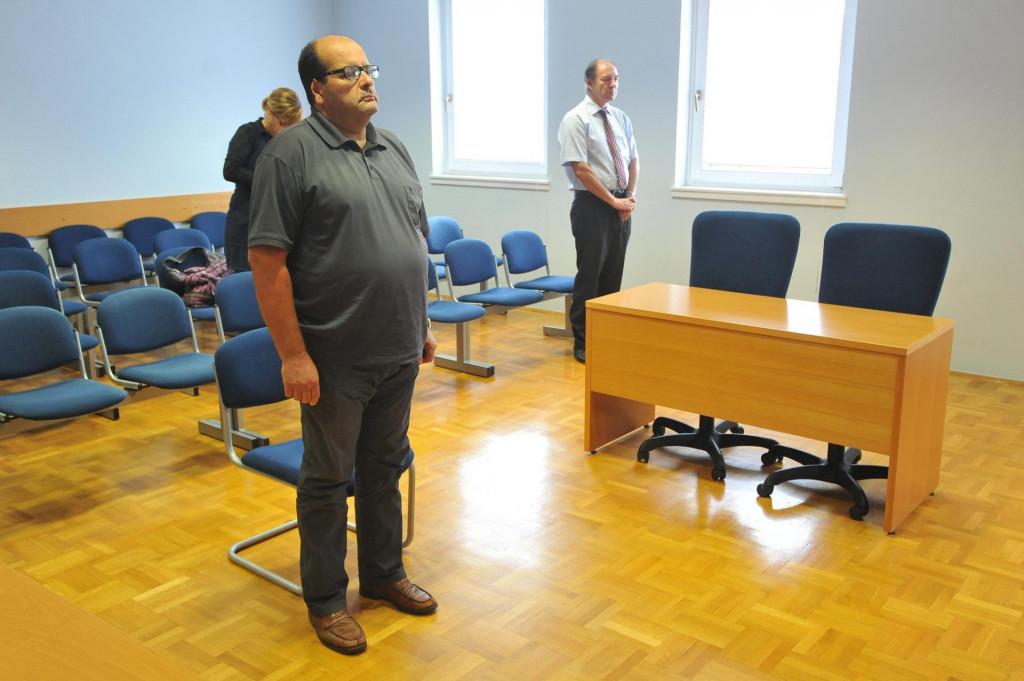 Bivši zaposlenik gradske uprave Zlatko Jurinić pravomoćno je osuđen na godinu zatvora uvjetno uz rok kušnje od 4 godine zbog lažnog vještačenja