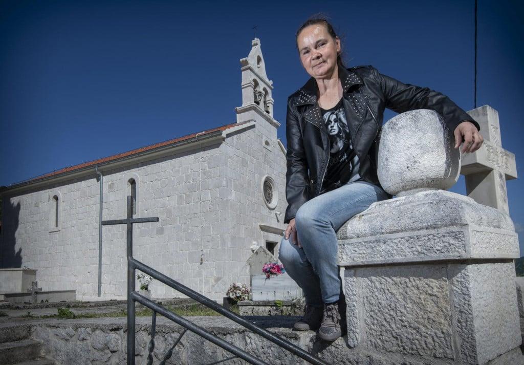 'Prijašnjih godina svećenik bi dobio što ga sljeduje, a eto meni nisu baš svi dali što zaslužujem' - smije se Bosanka, braneći svoje župljane kako ih puno živi u Splitu