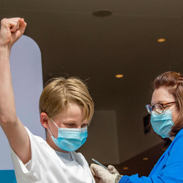 Isto cjepivo za djecu od 12 do 15 godina odobreno je i u SAD-u i Kanadi