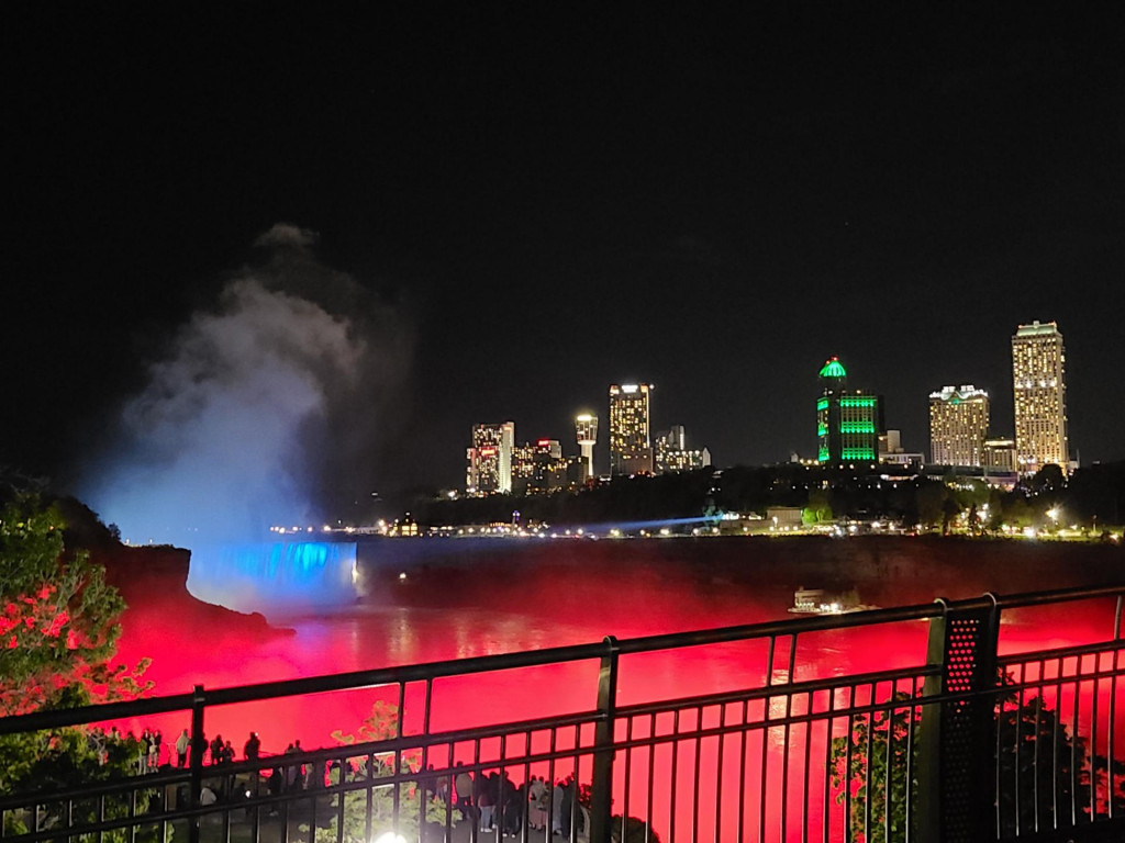 Niagara u trobojnici