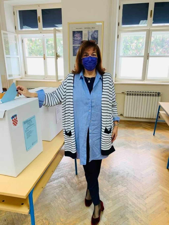 Građansku dužnost u nedjelju je obavila i Dubravka Šuica, potpredsjednica EK