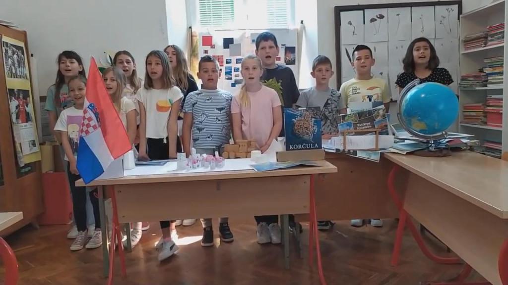 Učenici Područne škole Račišće na poseban način čestitaju Dan državnosti