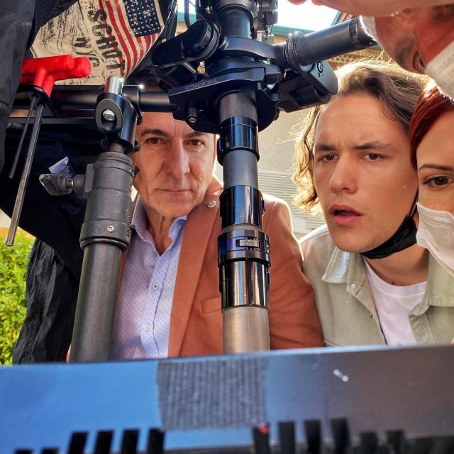 Detalj sa snimanja filma koji je opet udružio Branka Đurića Đuru i Danisa Tanovića