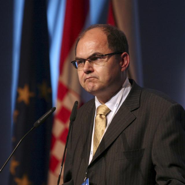 Christian Schmidt preuzima nezahvalnu funkciju