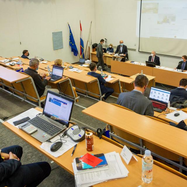 Splitsko Gradsko vijeće nakon izbora ima novi sastav, a vijećničke naknade su ograničene