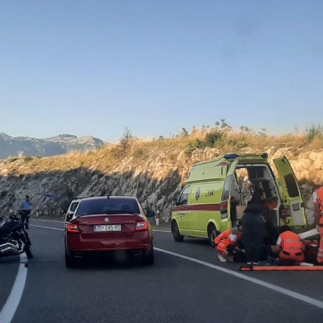 prometna nesreća koja se dogodila prije nekoliko trenutaka