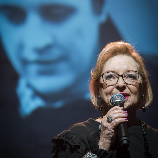 Otvaranje nije moglo proći bez pjevačkog nastupa Gabi Novak