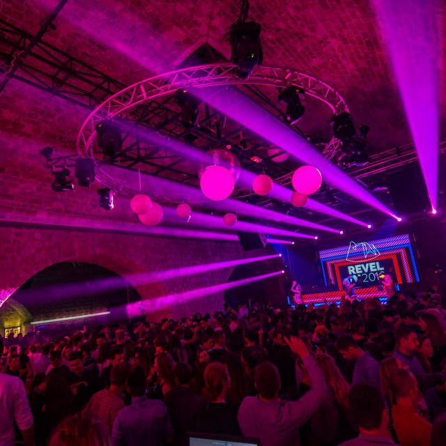 Zbog pandemije na čekanju su festivali, noćni klubovi, kongresi, glamurozna vjenčanja