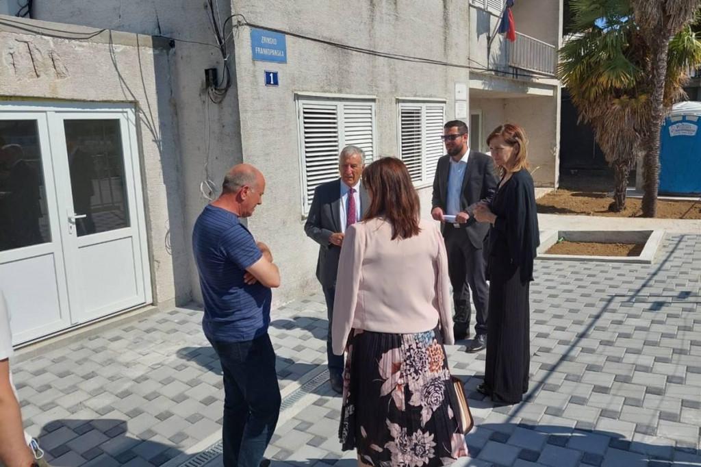 STREAM Župan Dobroslavić sa zamjenicima i suradnicima obišao budući Centar za nadzor i prevenciju rizika od poplava u Opuzenu