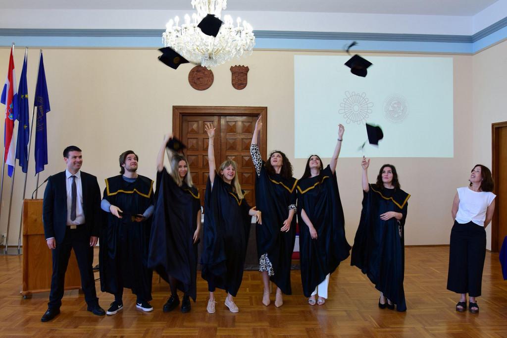 Na Sveučilištu u Zadru promovirano 15 prvostupnika studija povijesti umjetnosti