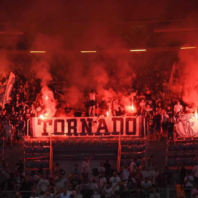 """Tornado je """"zapalio"""" tribine"""