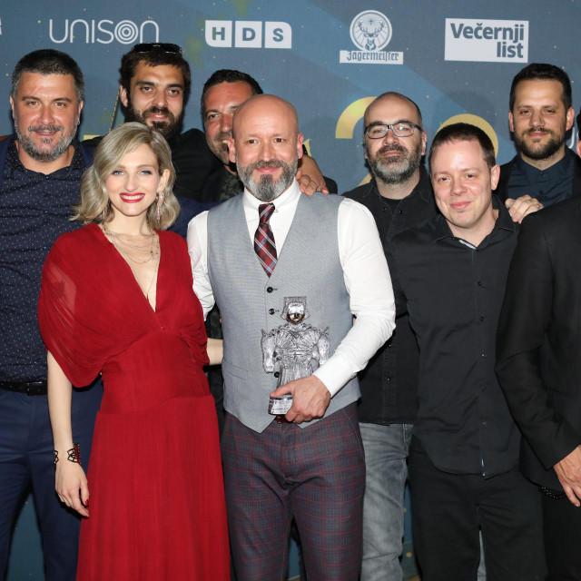 Na fotografiji: grupa Pavel s producentima