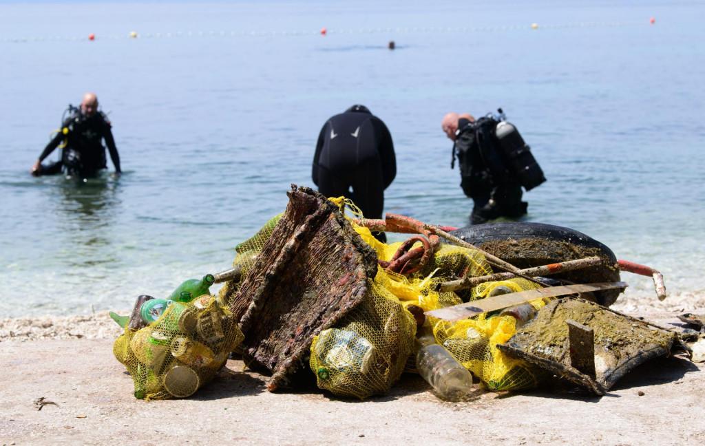 Dio otpada izvađenog iz mora u uvala Ovčice i Zenta
