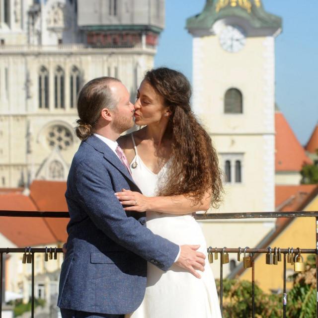 Amerikanac Greg Doriss i Talijanaka Valeria Tringali vjencali su se u Zagrebu jer radi korone nisu mogli nigdje drugdje