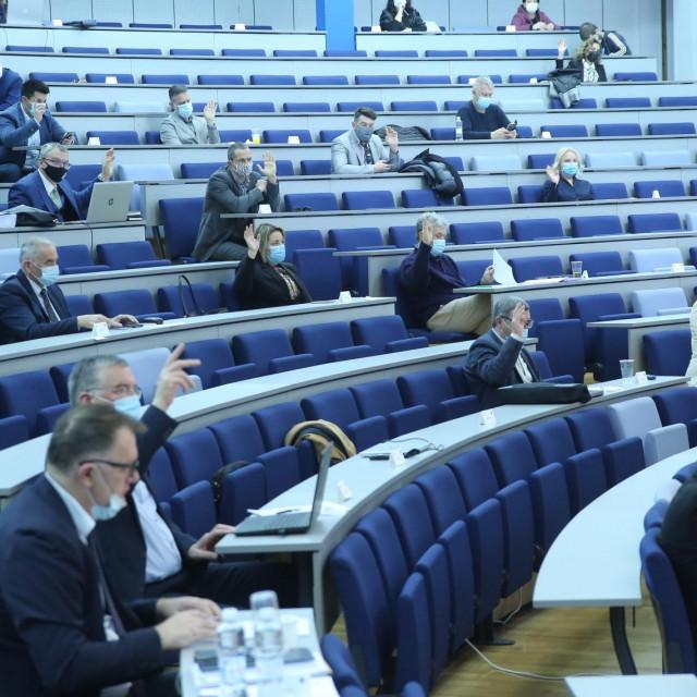 Trećina vijećnika, svi iz oporbenih redova, predložit će Imoćanina Ivicu Kukavicu za šefa parlamenta