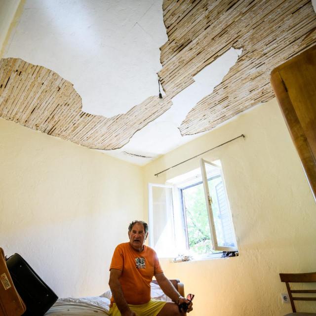 Josipu Petkoviću iz Vrpolja potres je oštetio kuću