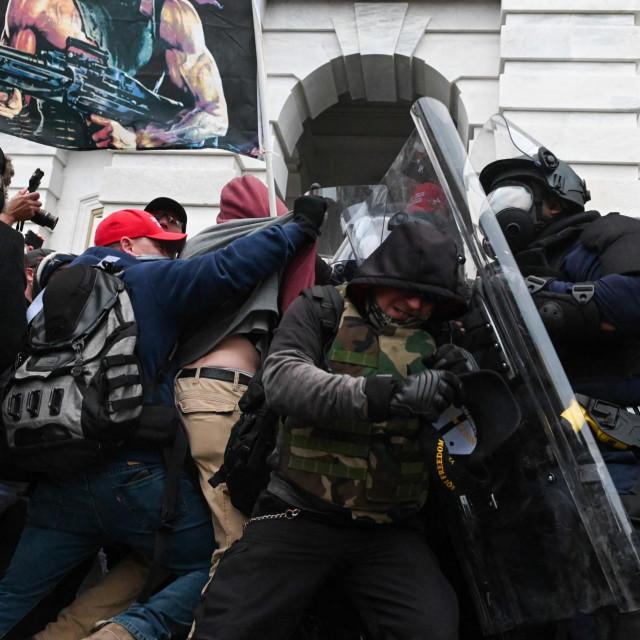 Neredi u Washingtonu i danas izazivaju jezu