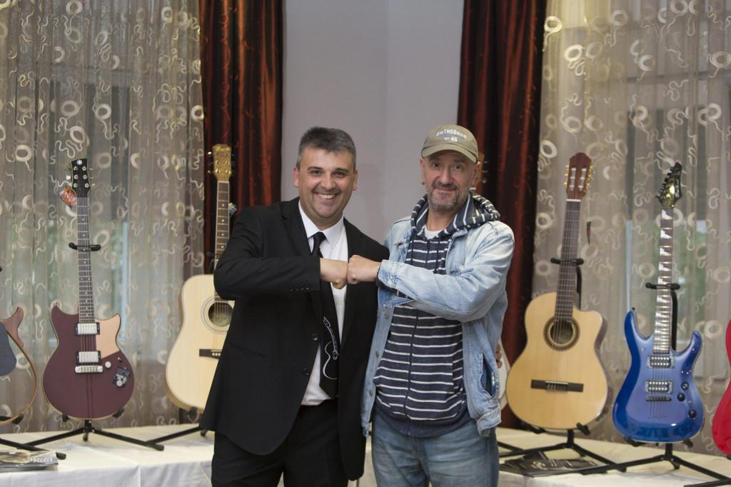 Neno Munitić s Vlatkom Stefanovskim, stalnim gostom Omiš Guitar Festa
