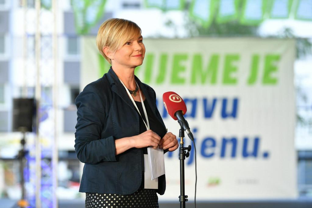 Sandra Benčić: Zar ćemo dopustiti da naše investicije u obranu diktira Vučićeva Vlada?