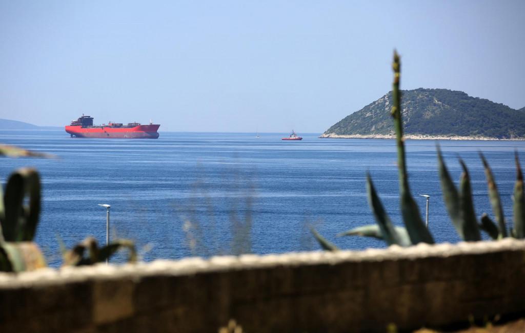Tegljenje tankera ruskih brodovlasnika