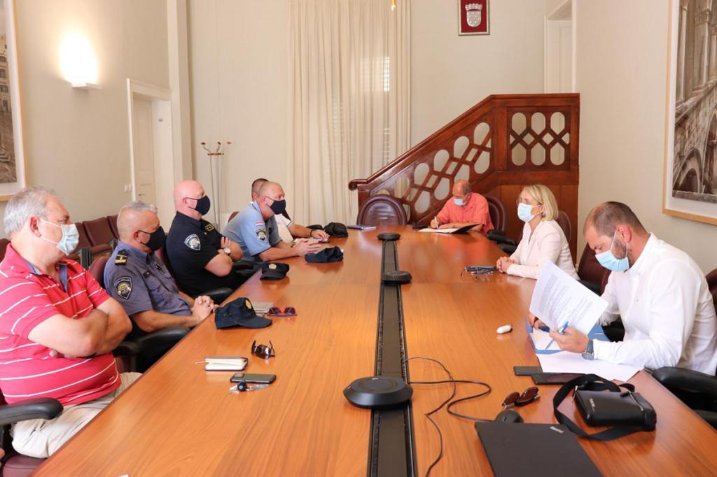 koordinacijski sastanak Grada Dubrovnika sa svim službama zbog dolaska prvog kruzera