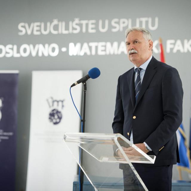 Dragan Ljutić: Pomogli smo pri osnivanju Medicine u Puli, pomoći ćemo Šibeniku da postane sveučilišni grad, a čvrsto stojimo iza Sveučilišta u Mostaru